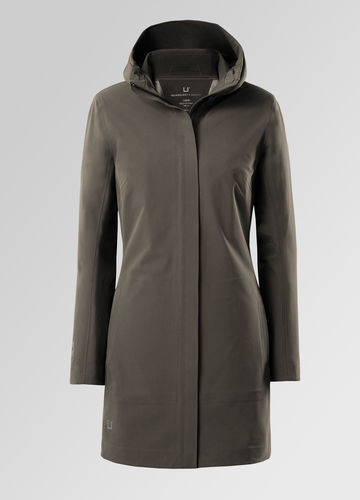 Technology + Tailoring | Elegant Outerwear for Men and Women